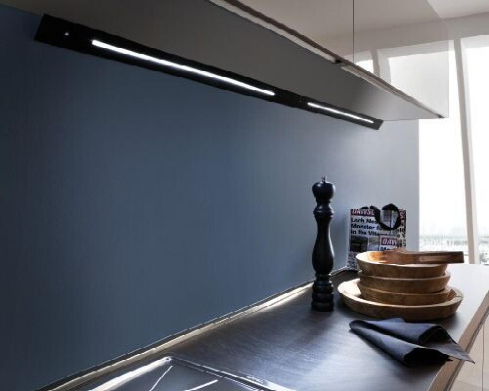 Светильник светодиодный MURANO PLUS TOUCH(сенсорный) длинна 600mm 12V 5000K (холодный свет)  3,4W 15LED, цвет:черный